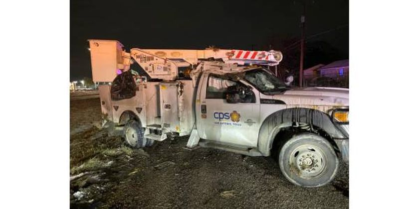 Texas Utility Truck Flips, Workers Injured in Icy Conditions