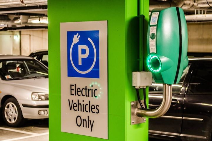 The announcement includes $5 million in grants for deployment of fast charging infrastructure at 27 locations statewide. - Photo: Pixabay/stanvpetersen