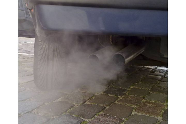 The U.S. Environmental Protection Agency has fined Premier Performance of Rexburg, Idaho, one of the nation's largest sellers of aftermarket automotive parts, $3 million for illegally selling emissions-control defeat devices. - Photo: Ruben de Rijcke (CC BY-SA 3.0)