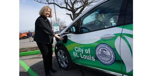 St. Louis Prioritizes Fleet Transition to Electric Vehicles