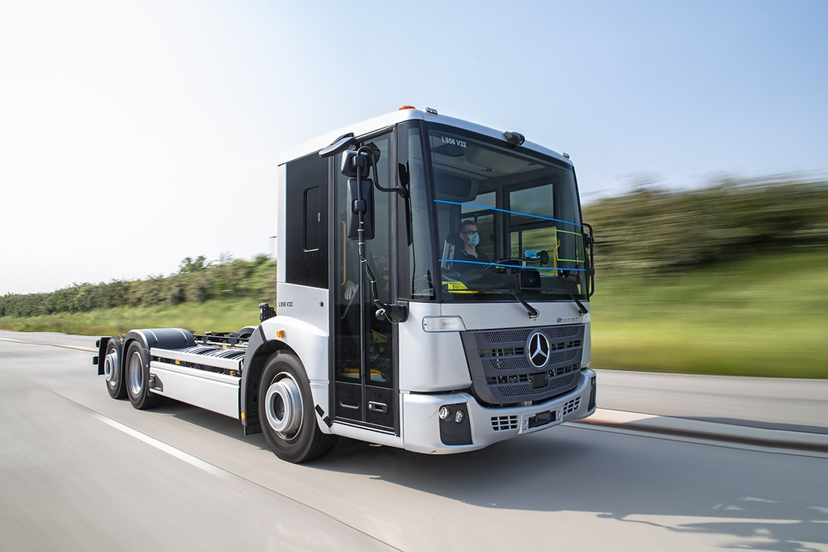 Mercedes-Benz Tests eEconic BEV for Refuse Use