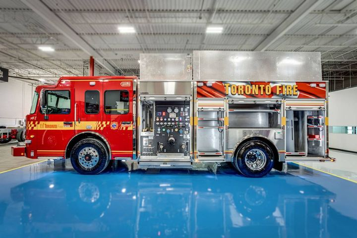 Dependable Emergency Vehicles and Volta Power Systems have partnered to create fire trucks that enable firefighters to reduce idling, cut CO2 emissions, and improve safety without specialized charging infrastructure. - Photo:Dependable Emergency Vehicles