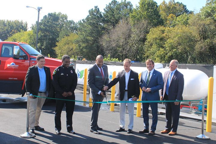 Representatives from Virginia Clean Cities, Alliance AutoGas, the Propane Education and Research Council, and the City of Petersburg attended aribbon-cutting ceremony on Sept. 24 to speak on the importance of renewable propane. - Photo: Virginia Clean Cities