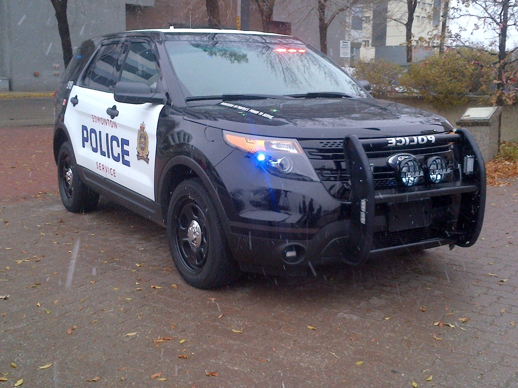 Edmonton Police Service Tests Ford Patrol Vehicles