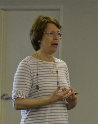 Susan Romeo, director of marketing and communications for Calstart, discussed partnership opportunities with MEMA members.