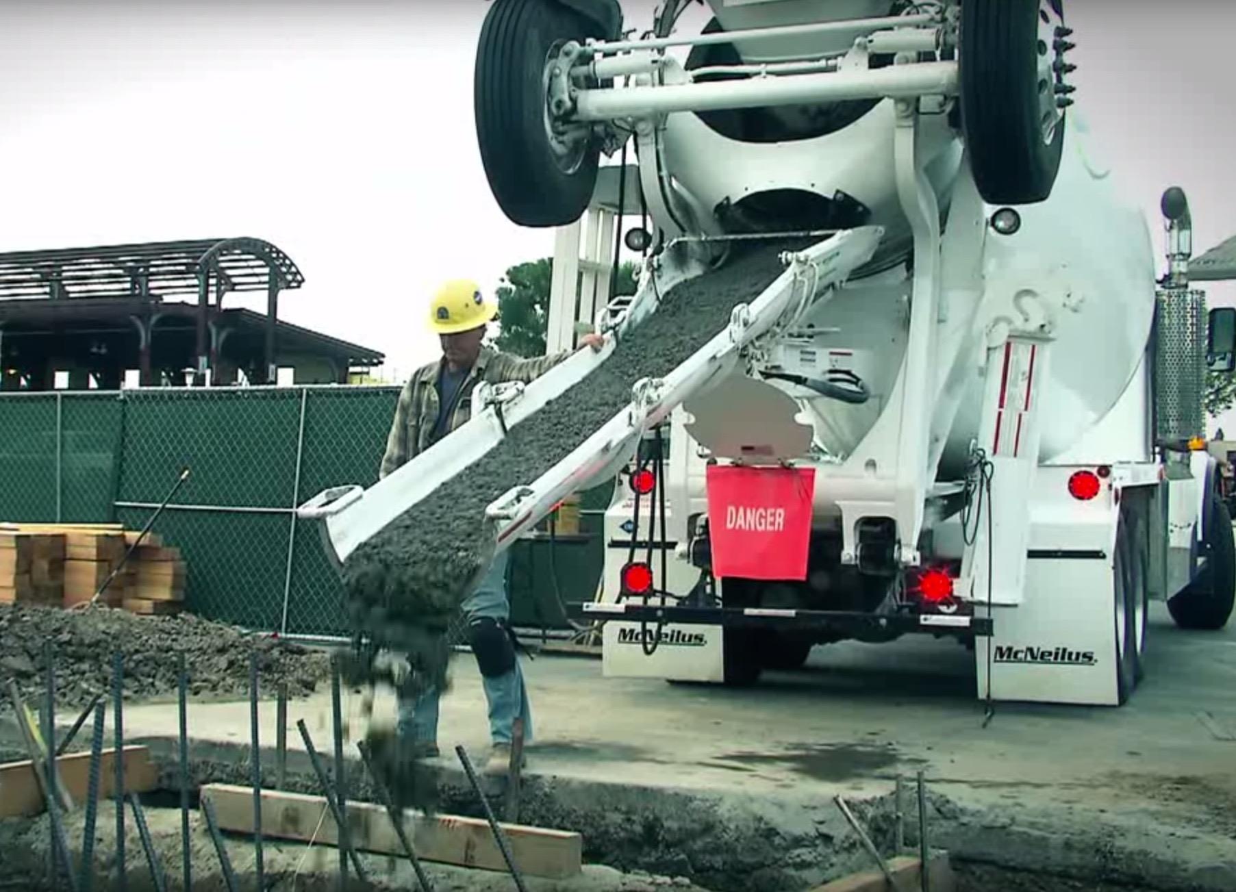 McNeilus, Oshkosh Recall CNG Trucks for Fire Risk