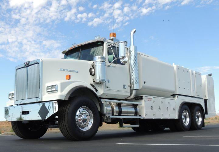 Western Star's Trucks 'Get Tough' at Work Truck Show