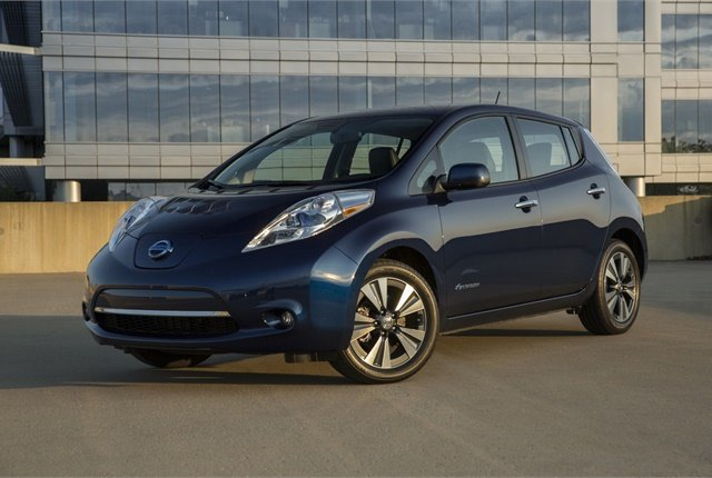 Photo of 2016 Leaf courtesy of Nissan