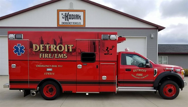 Photo of the Detroit Fire Department's new ambulances courtesy of Braun Ambulances