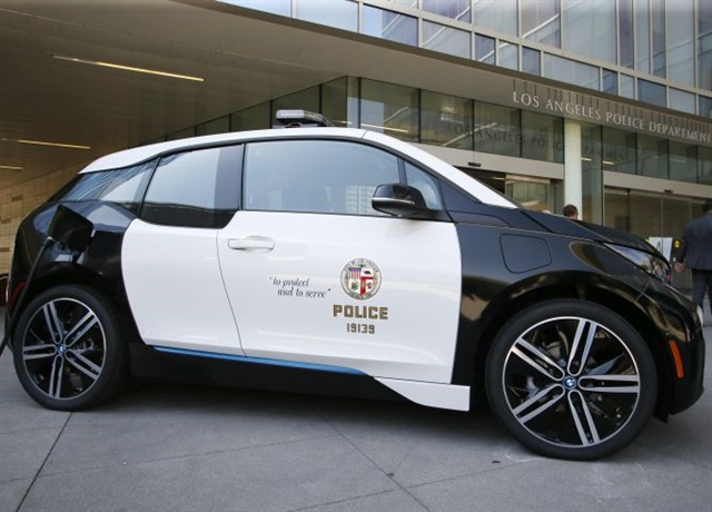 Photo of LAPD i3 courtesy of BMW.