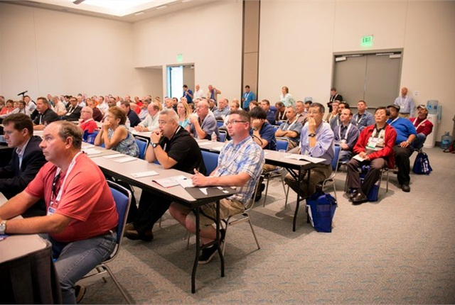 A packed session at GFX 2014. Photo by Vince Taroc