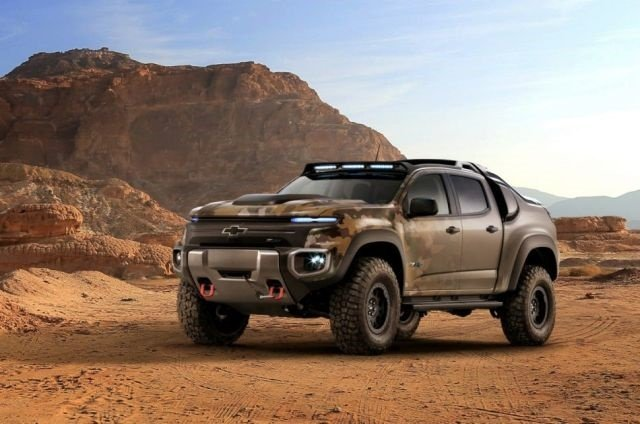 The ZH2 shares several components with the production Colorado, including the cab, doors, and roof. The standard Colorado production cab was moved back 125mm to accommodate 37-inch off-road tires. (Photo courtesy of General Motors)