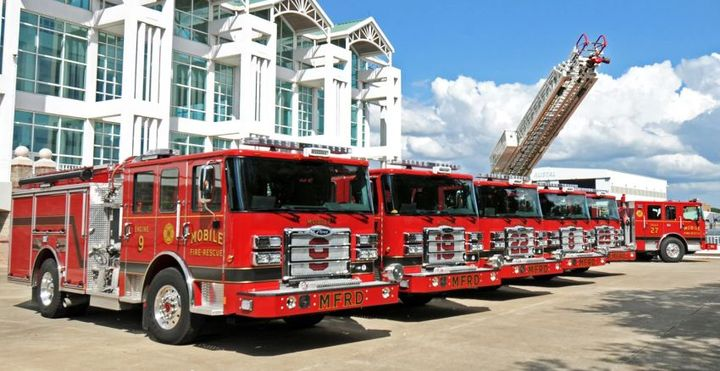 Pierce Manufacturing has delivered five Enforcer pumpers and an Ascendant 107-foot Aerial Ladder to the City of Mobile, Ala., Fire and Rescue Department.
