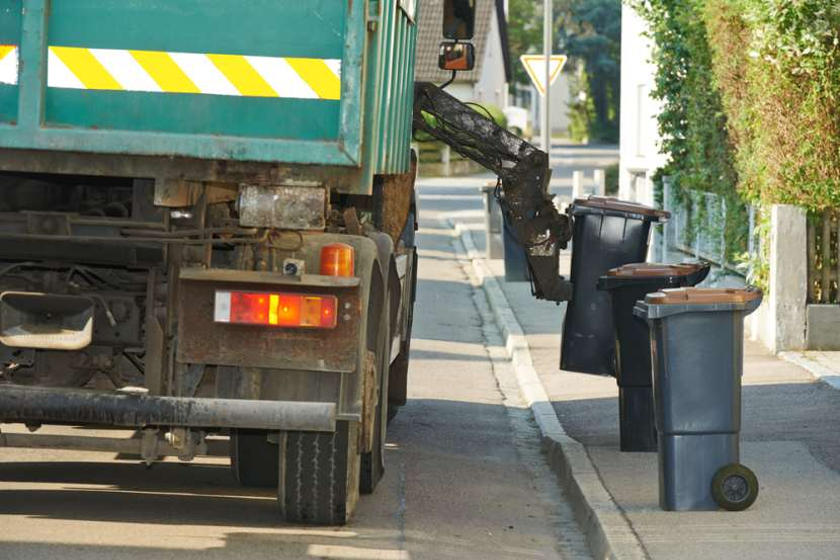 Houston's Aged Garbage Fleet Leads to Collection Backlog