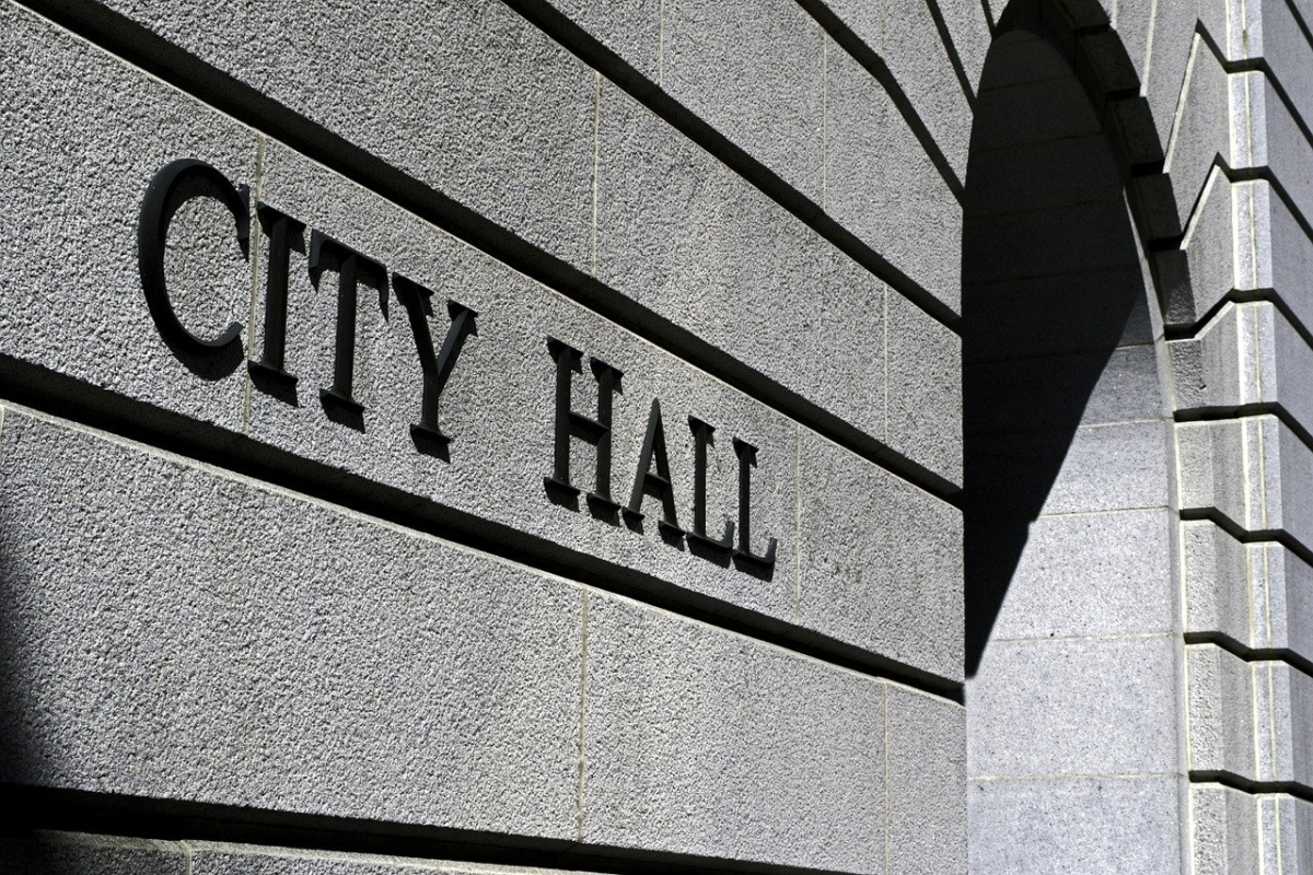 City Debates Whether Council Can Decide Vehicle Colors