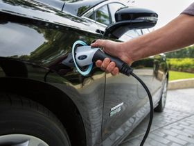 Municipalities Commit to Purchasing 2,100 EVs by 2020