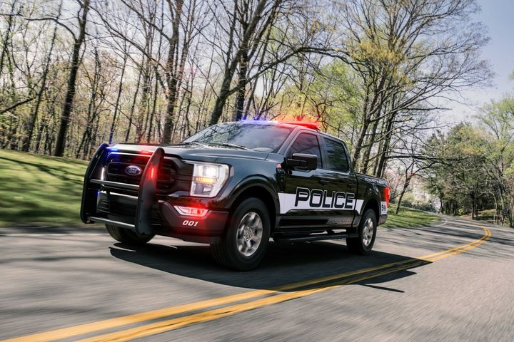 TheF-150 Police Responder pickup's standard 3.5L EcoBoost engine produces 400 hp, and its 500 lb.-ft. of torque tops all pursuit-rated police vehicles. - Photo: Ford