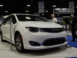 The 2017 Chrysler Pacifica Hybrid Platinum features a fuel economy of 84 MPGe.