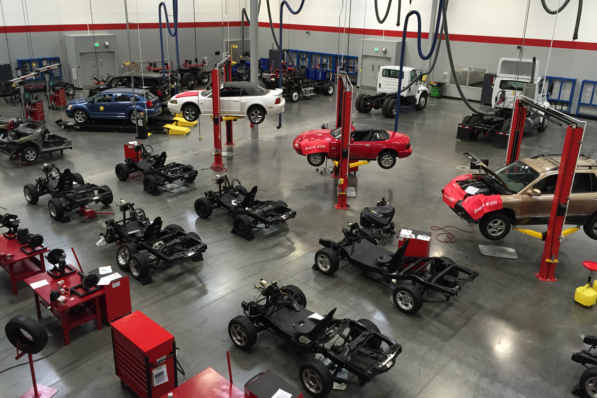 A lab workspace is available for students studying undercar repairs,steering and suspension,...