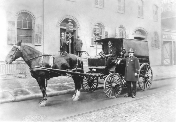 61st Precinct patrol wagon in Brooklyn, 1901