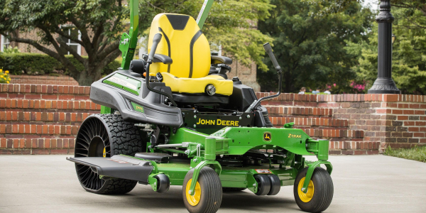 TheZ955R zero-turn mower comes with a 60-inch side-discharge deck.