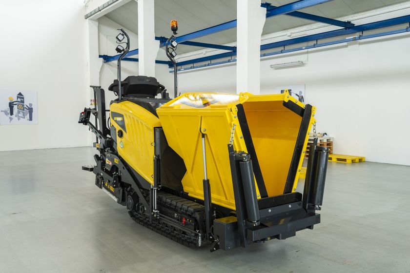 The BF 200 paver boasts patented Bomag Magmalife technology that heats the screed up to paving...