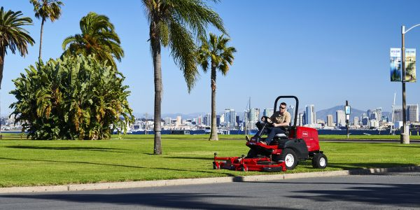 The Groundsmaster 3200/3300 mowers offer improved productivity features, including large 60-inch...