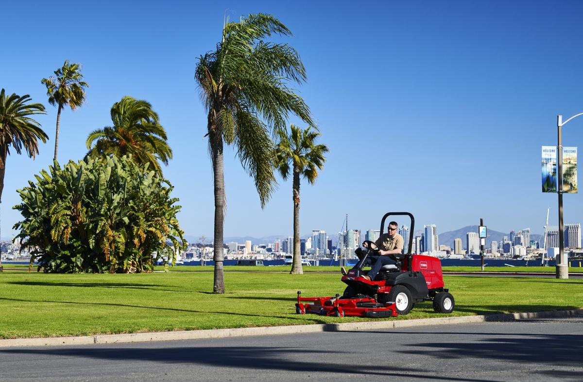 Toro Introduces Groundsmaster Out-Front Rotary Mowers