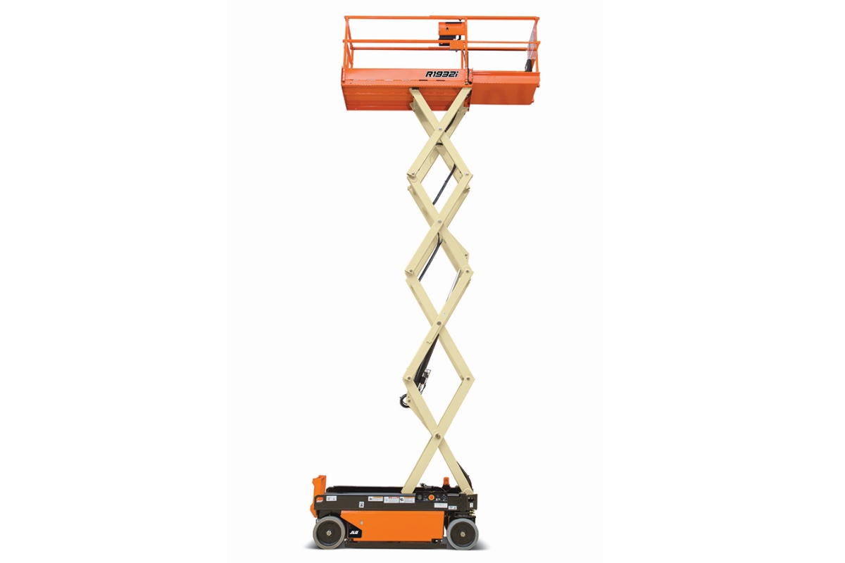 JLG Expands R-Series With 19-Foot Indoor-Only Scissor Lift