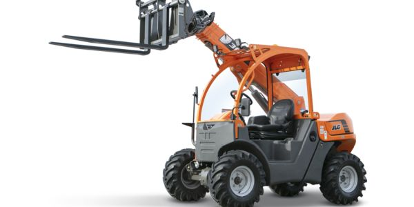 The SkyTrak 3013 ultra-compact telehandler was purpose-built for use in small spaces requiring...