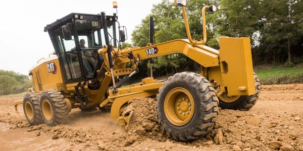 Cat 140 GC Motor Grader Produces High Performance