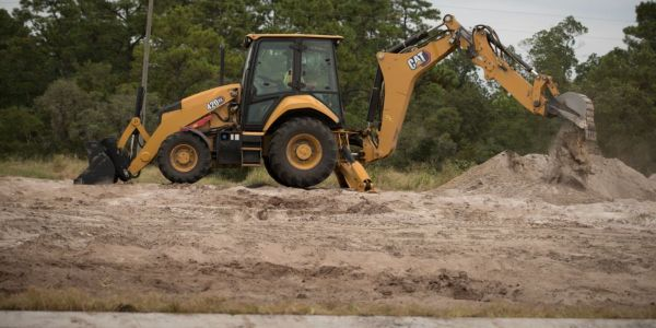 The Cat 420 XE backhoe loader offer the choice of Standard Mode engine performance for increased...