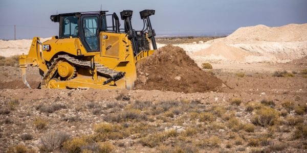 Cat D7 Dozer Delivers Productivity-Boosting Technology