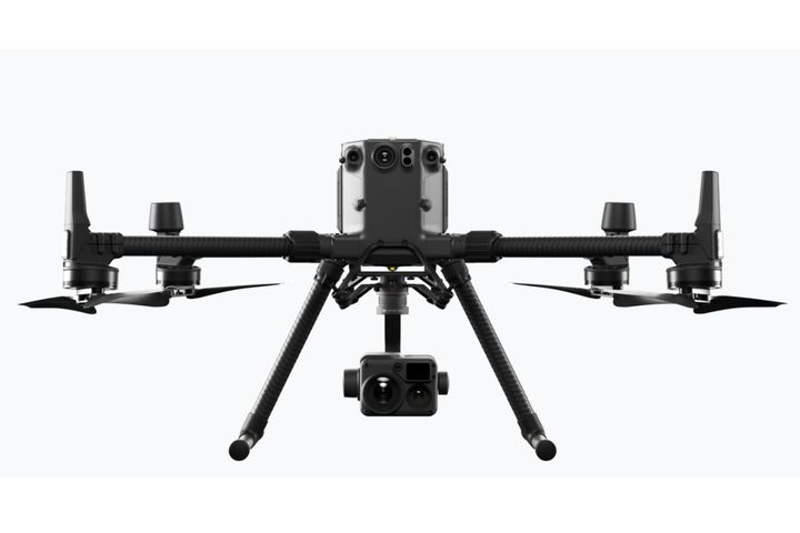 DJI's new commercial drone platform, the Matrice 300 RTK (M300 RTK) can be equipped with a hybrid, multi-sensor camera for precise aerial inspections and data collection missions. - Photo: DJI