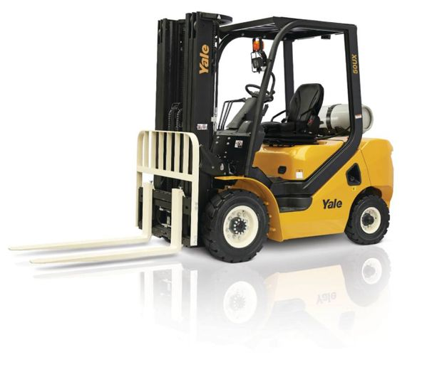 The GLP040-070UX Series rounds out the company's ICE pneumatic tire lift truck range. - Photo: Yale