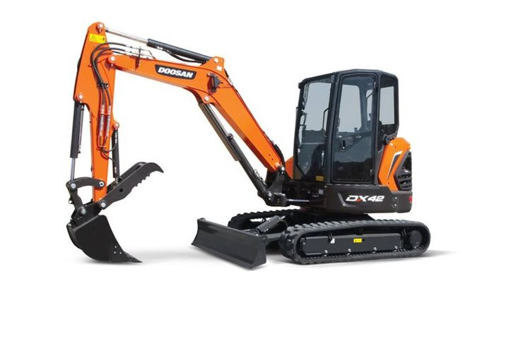 The excavators are updates to the prior iterations, featuring new innovations to increase machine performance, versatility, operator comfort, and reliability. - Photo: Doosan