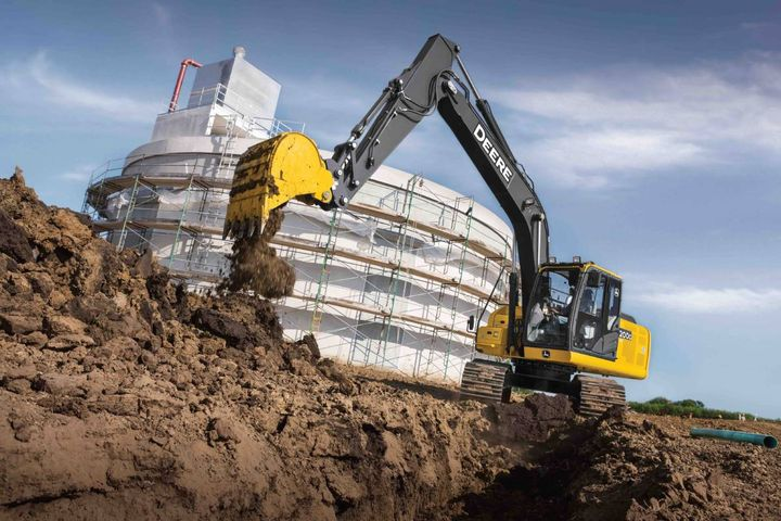 The 145-horsepower 200G Excavator reduces the amount of fuel burn without sacrificing power or productivity. - Photo: John Deere