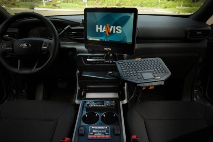 The style of the new Havis console catapults public safety vehicle cabins into a new era, reimagining the workspace for public safety professionals. - Photo: Havis
