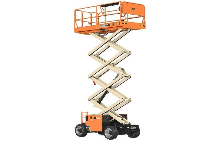 The platform on these new rough terrain lifts deliver 28% more work area, class-leading capacity, and a zero-platform offset, allowing users to get closer to the work area while bringing more people, tools, and material to height. - Photo: JLG