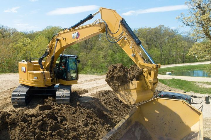The Cat C7.1 engine powering the 335 excavator meets the most stringent emissions standards with a no-maintenance aftertreatment system. - Photo: Caterpillar