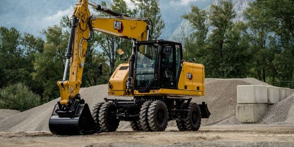 A Cat C4.4 engine enables the M316 wheeled excavator to efficiently complete tasks in multiple...