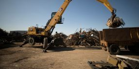 Cat MH3040 Material Handler Cuts Fuel Use By 25%