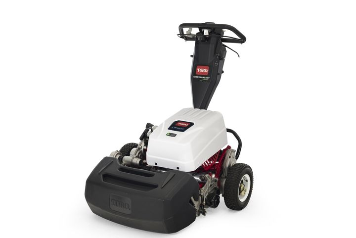 The Greensmaster e1021 mower allows operators to mow up to 35,000 square feet of turf on a single charge. - Photo: Toro
