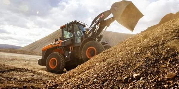 Seven models of the new Doosan -7 Series wheel loaders, with standard bucket capacities between...