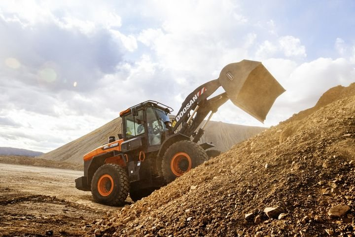 Seven models of the new Doosan -7 Series wheel loaders, with standard bucket capacities between 3.7 and 7.6 cubic yards, are available. - Photo: Doosan