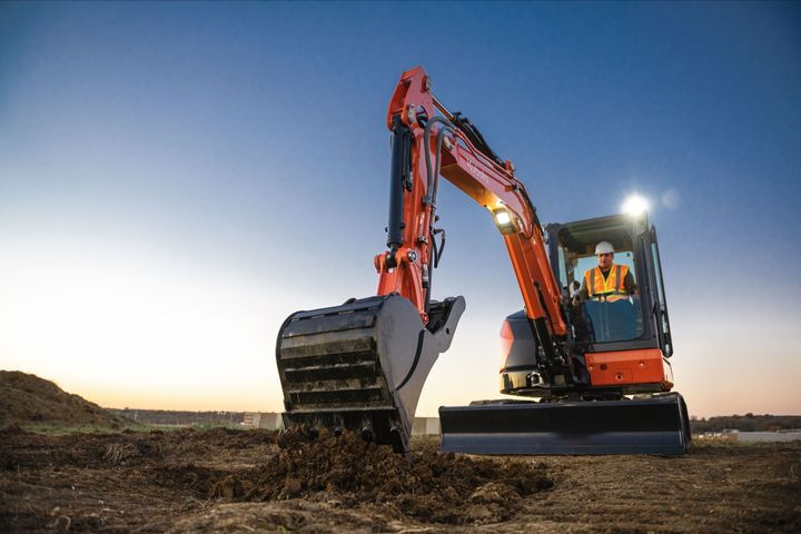 Kubota'sU48-5 offers11,057 lbs. of operating weight and40.4 gross hp. - Photo: Kubota