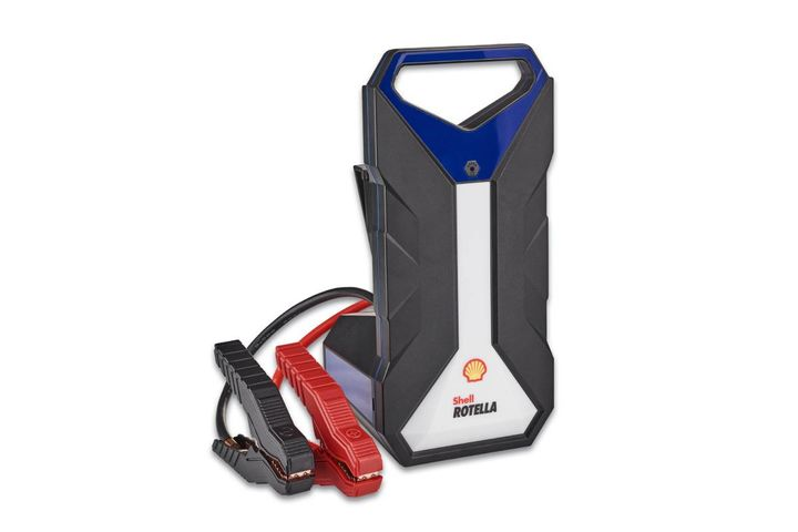 Shell jump starters feature high starting currents that can jump start both diesel and gas engines and have built‐in flashlights, SOS lights, and more. - Photo: Shell