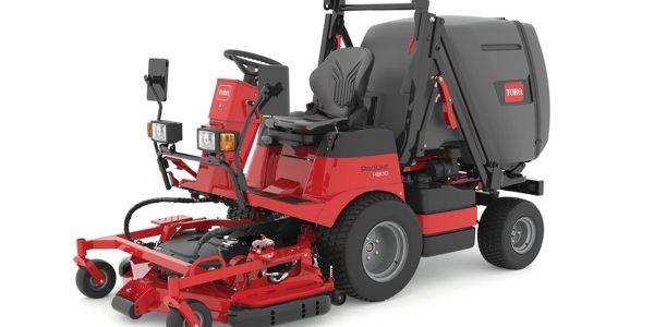 The Toro ProLine H800 direct collect mower has a 1 cubic yard/214-gallon hopper.