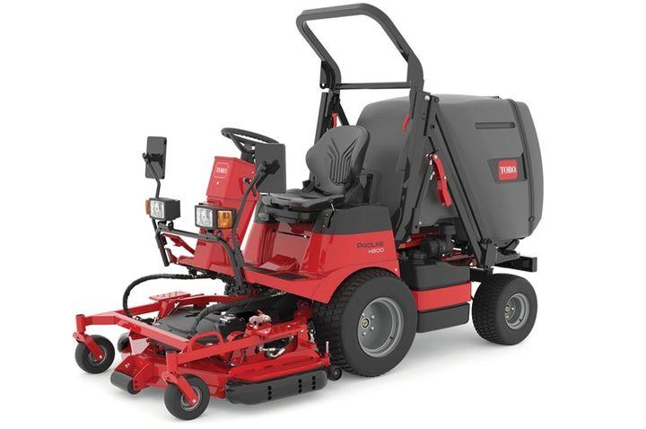 <p>The Toro ProLine H800 direct collect mower has a 1 cubic yard/214-gallon hopper.</p>[|CREDIT|]<p><em>Photo: Toro</em></p>