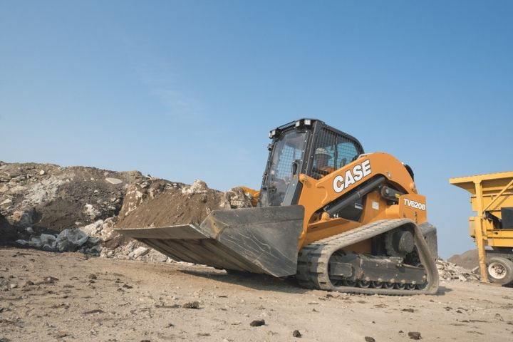 The Case TV620B is built to simplify heavy work such as cold planing, mulching, heavy material handling, and loading high-sided trucks. - Photo: Case Construction Equipment